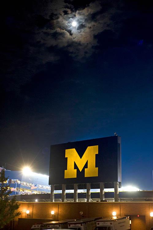 Football moon